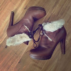 Authentic Gucci boots calfskin heels and sheepskin